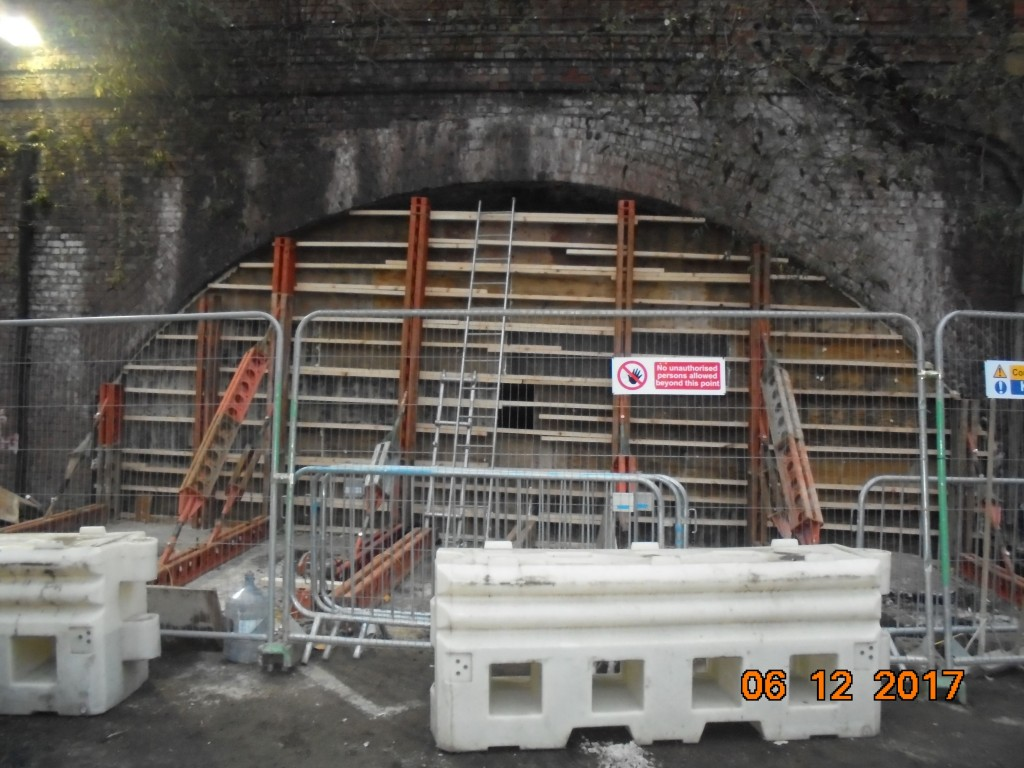 08. 06.12.2017 Station approach shuttering
